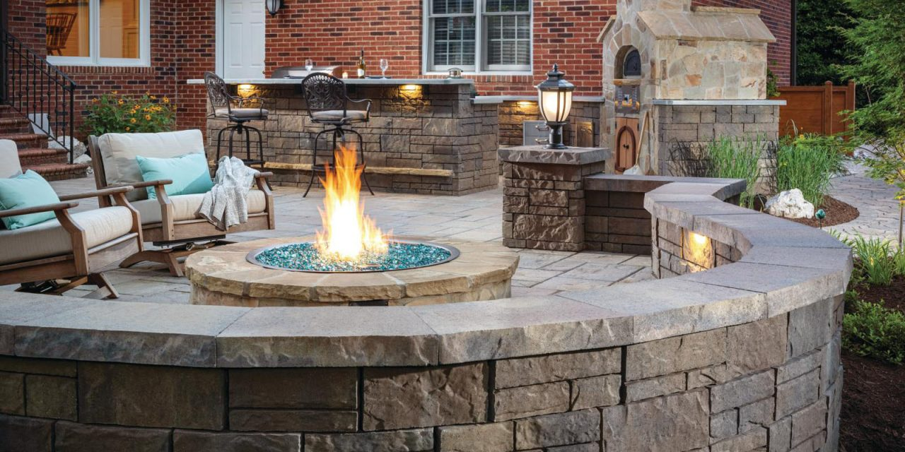 https://thehomeoftreasures.com/wp-content/uploads/2020/04/Fire-pit-placement-1280x640.jpg